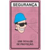 Segurança. Use óculos de proteção